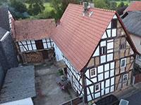 DHH Glauburg | Fachwerkhaushälfte mit Anbau und Scheune in Glauberg