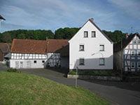 Einfamilienhaus Schotten | Familie gesucht! EFH mit Nebengebäude Schotten-Eschenrod
