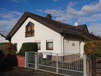 1-2 FH Butzbach | Freistehendes und großzügiges Einfamilienhaus in Butzbach