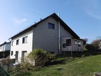 EFH Grünberg | Freistehendes Einfamilienhaus in Grünberg - Klein Eichen mit liebevoll angelegtem blühenden Garten mit Freisitz