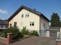 2-FH Reichelsheim (Wetterau) | Zweifamilienhaus in Reichelsheim-Weckesheim mit tollem, großem Garten