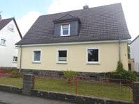 2-FH Rabenau | Gepflegtes Zweifamilienhaus mit eigenem Garten in Rabenau-Londorf